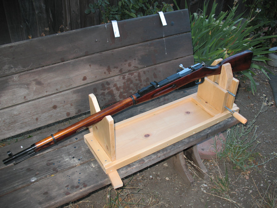 Gun Cleaning Table Plans - DIY Woodworking Projects